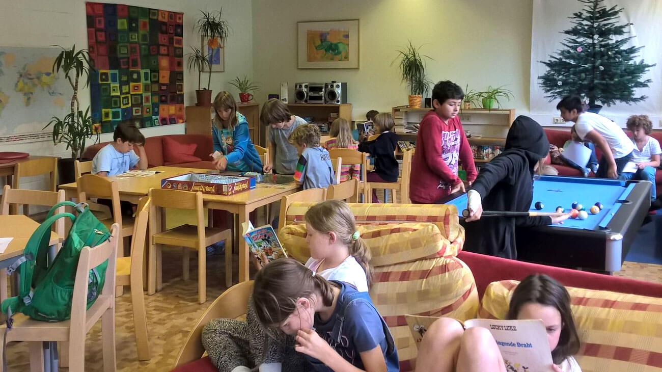 Grundschule in Berlin Kreuzberg: Im Freizeitbereich der Charlotte-Salomon-Grundschule